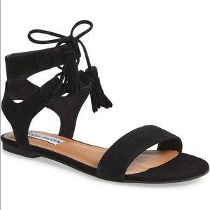 Steve Madden Daryyn Lace-up Sandal